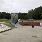 CK auf Skateboard mit Messgeräten